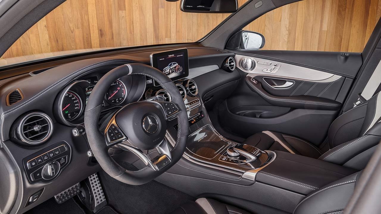 Mercedes-AMG GLC 63 S Coupé - Cockpit