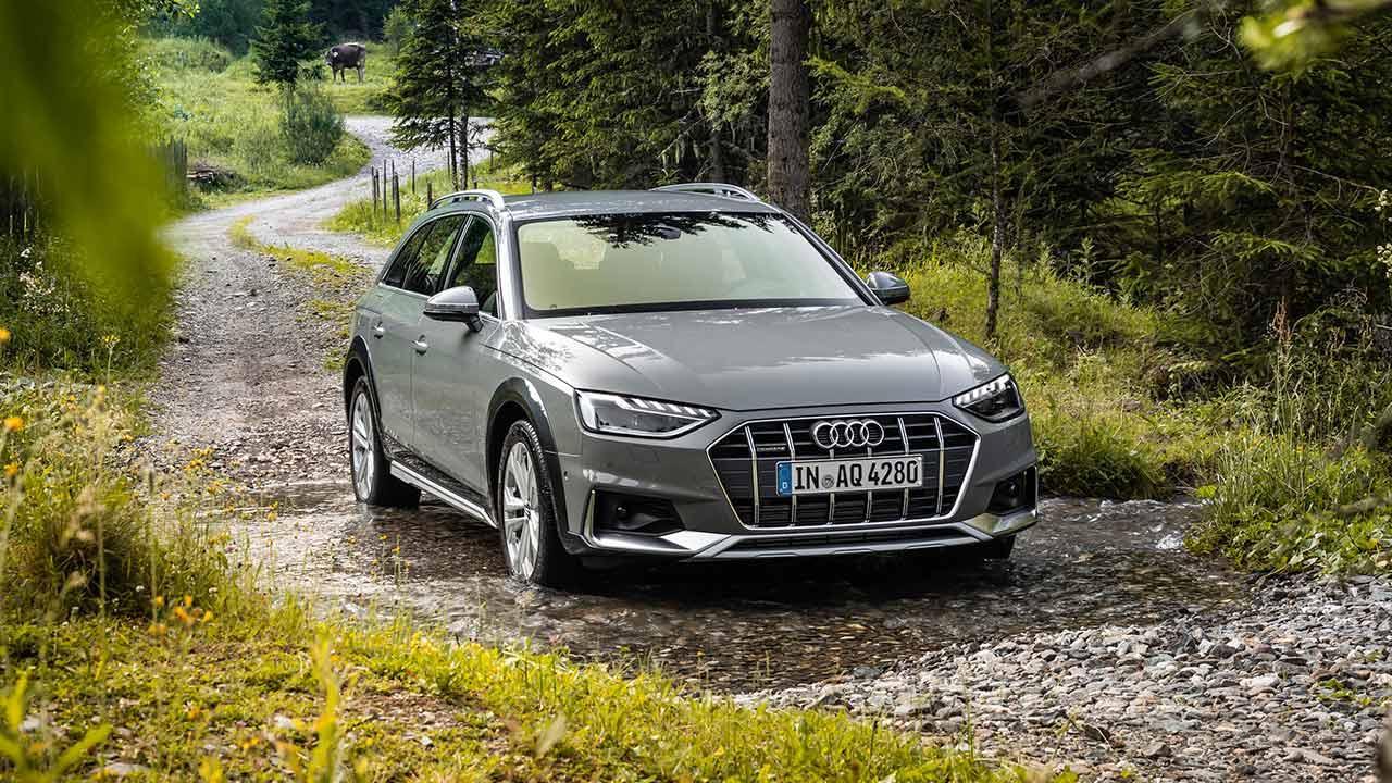 Audi A4 allroad quattro - Frontansicht im Wald