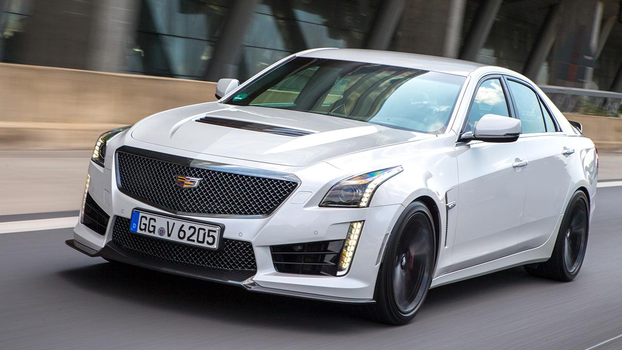 Cadillac CTS-V Limousine - in voller Fahrt