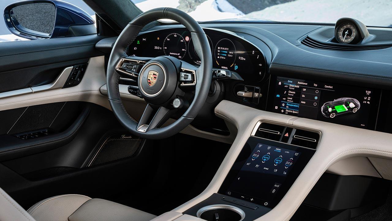 Porsche Taycan Turbo - Cockpit