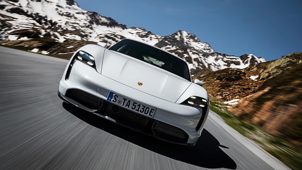 Porsche Taycan Turbo S - Frontansicht