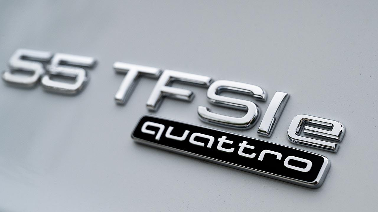 Audi Q5 55 TFSI e quattro - Schriftzug
