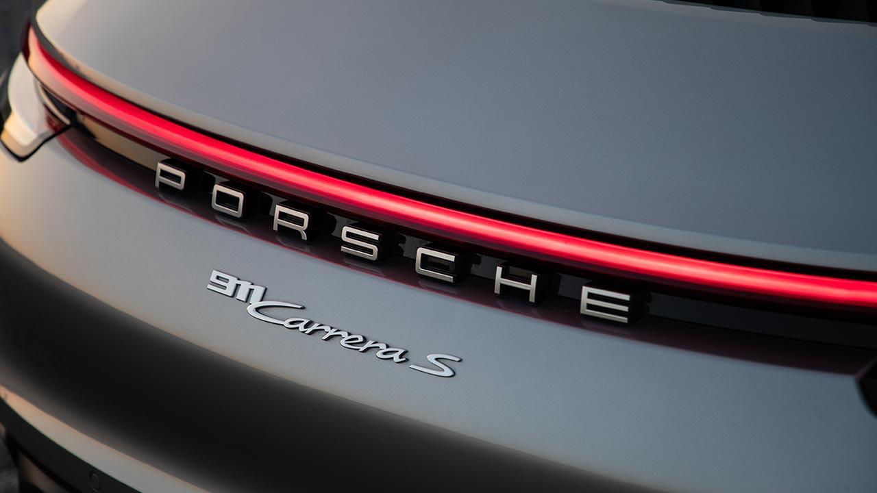 Porsche 911 Carrera S Cabriolet - Schriftzug