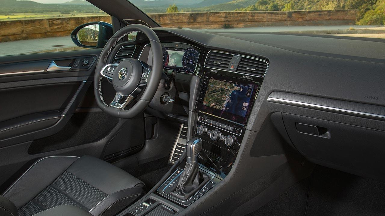 Volkswagen Golf GTD - Cockpit