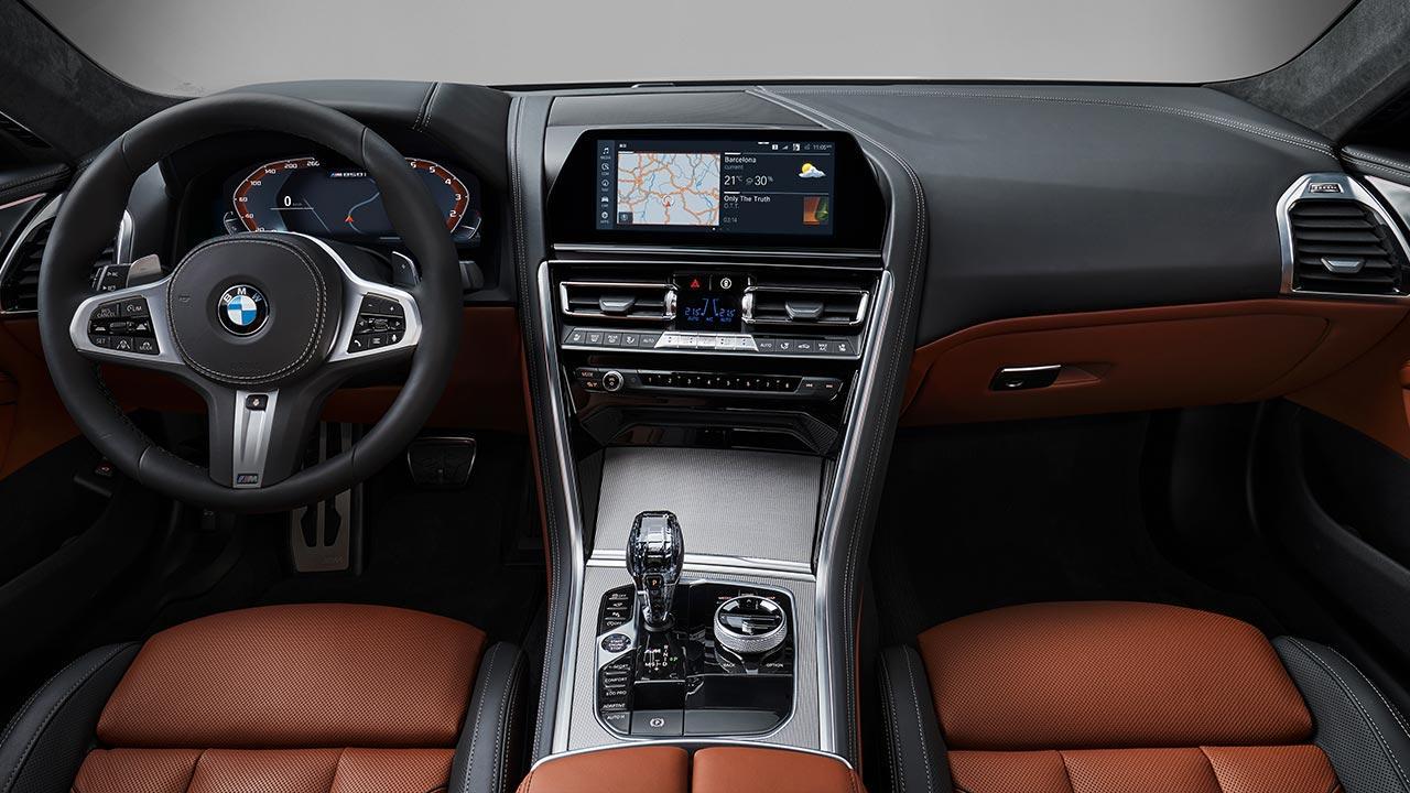 BMW M8 Coupé - Cockpit