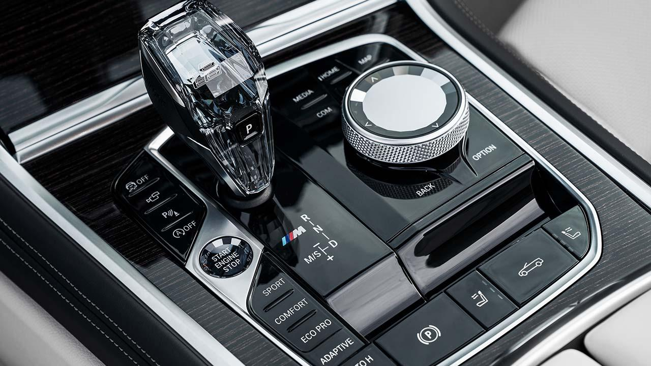 BMW M8 Cabriolet - Ganghebel