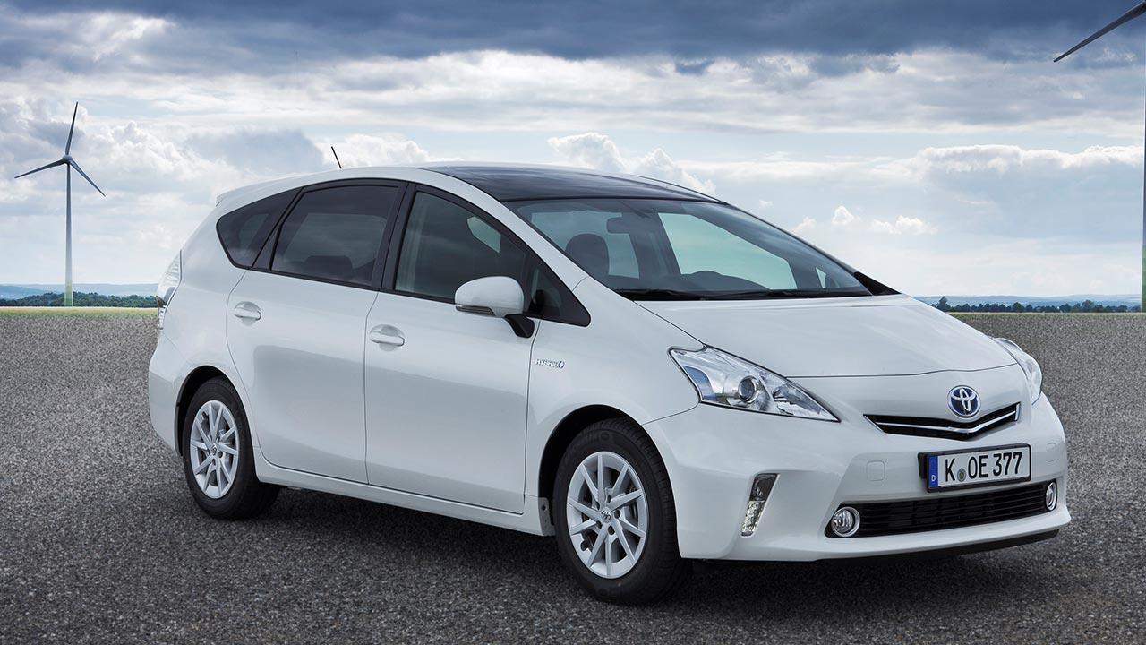 Toyota Prius Plus - seitliche Frontansicht
