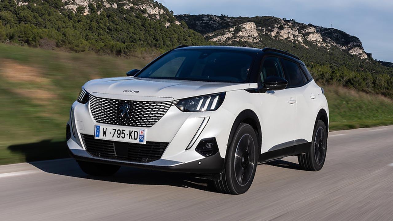 Peugeot e-2008 - in voller Fahrt