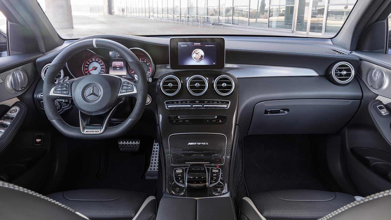 Mercedes-AMG GLC 63 4MATIC+ SUV - zahlreiche Instrumente