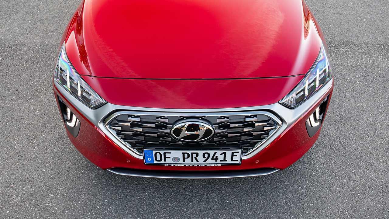 Hyundai IONIQ Plug-in-Hybrid - Front