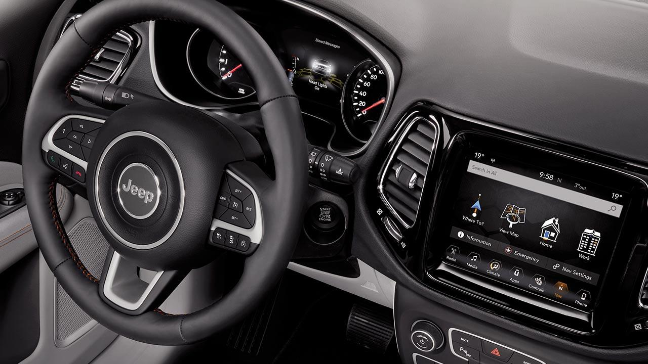 Jeep Compass - Cockpit