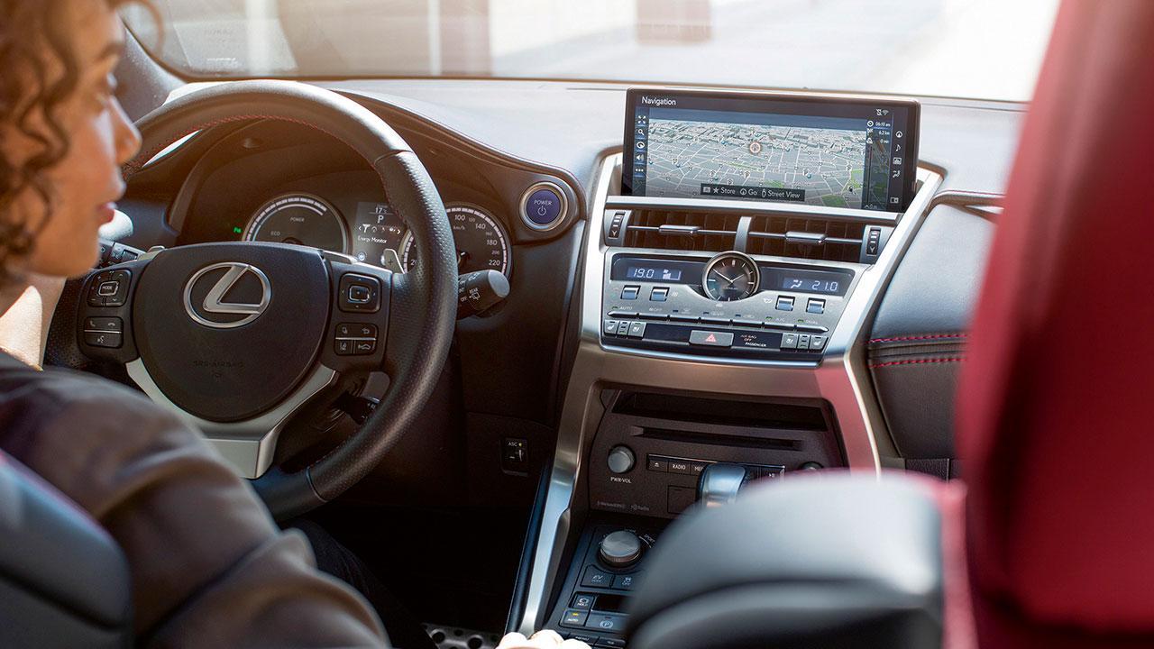 Lexus NX - Cockpit