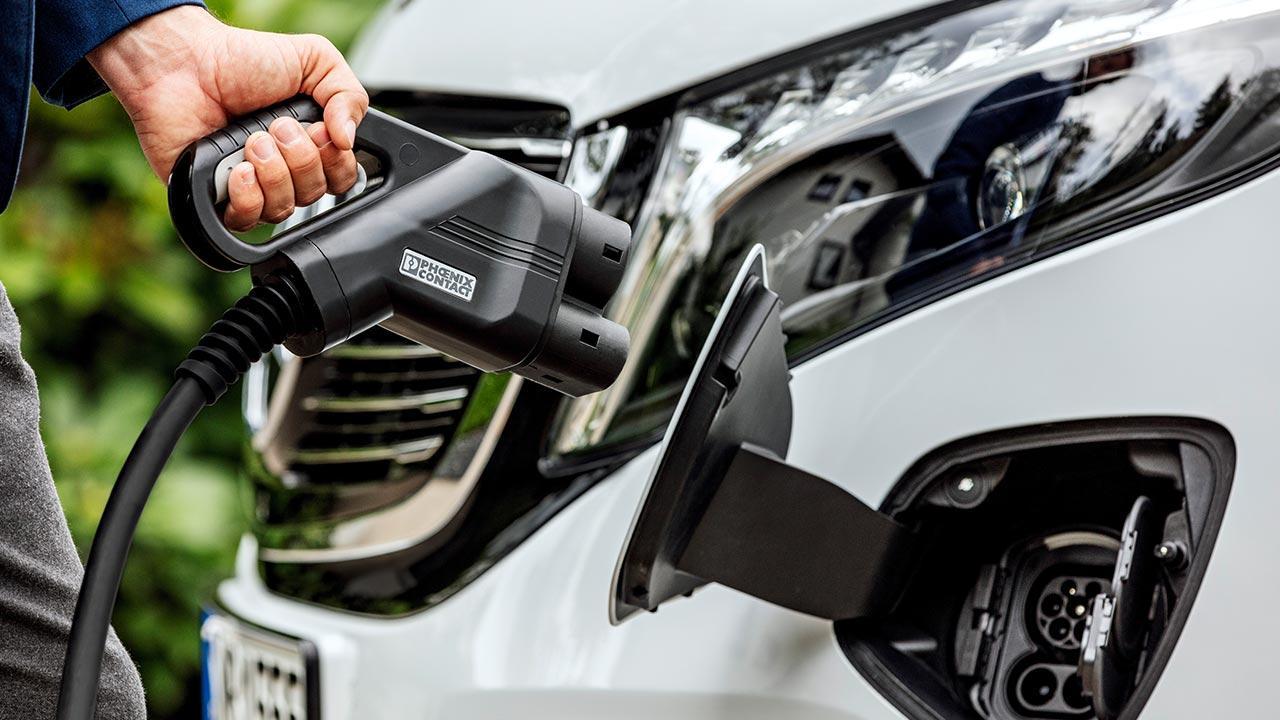 Mercedes-Benz EQV - Stecker und Dose