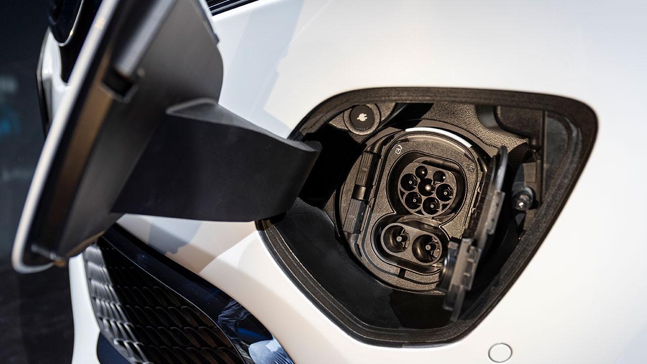 Mercedes-Benz EQV - Steckdose