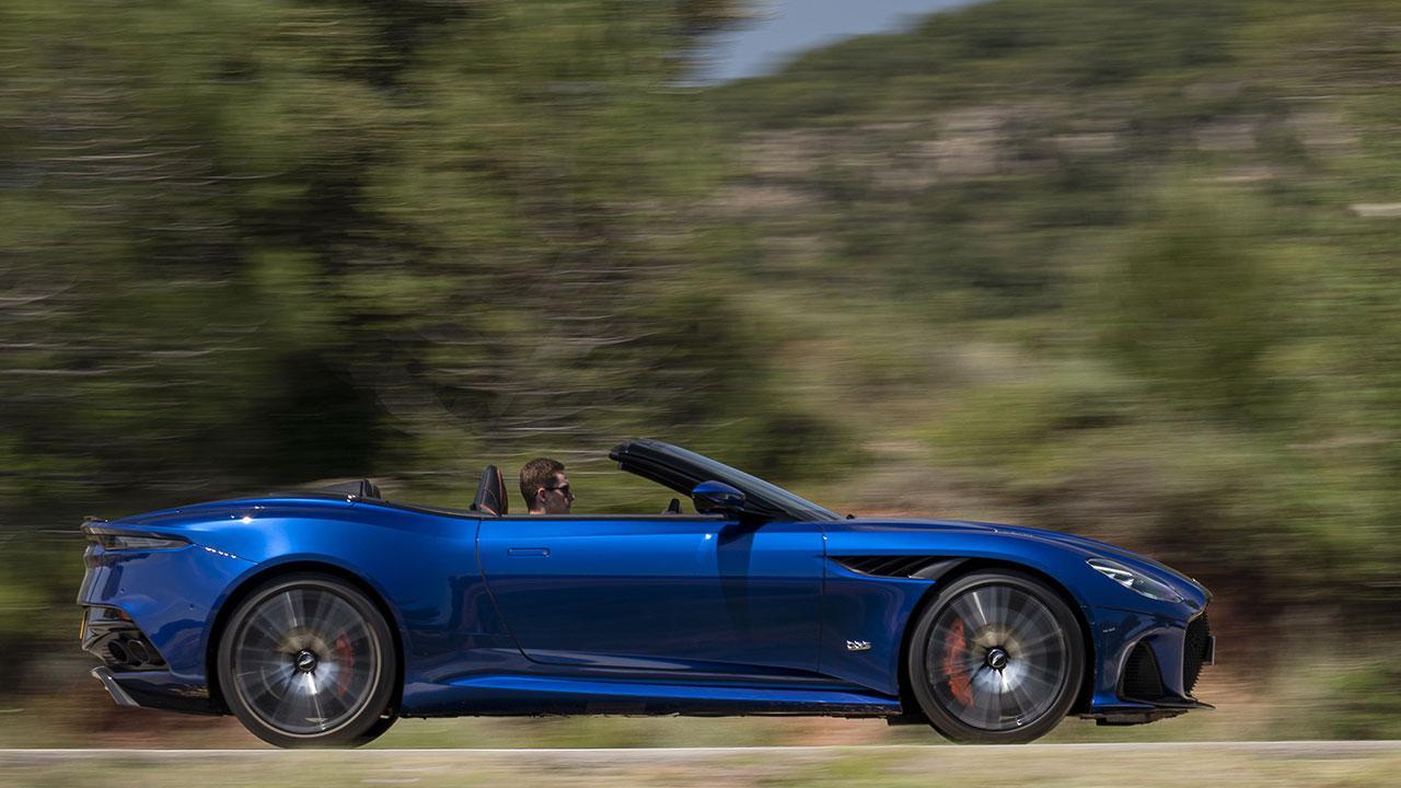 Aston Martin DBS Superleggera Volante - Seitansicht