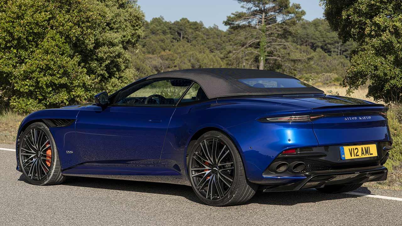 Aston Martin DBS Superleggera Volante - mit geschlossenem Verdeck
