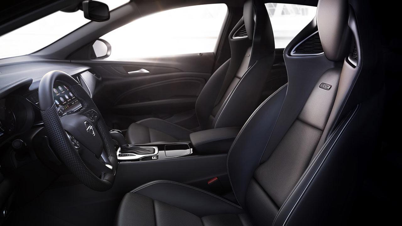 Opel Insignia GSi - Cockpit