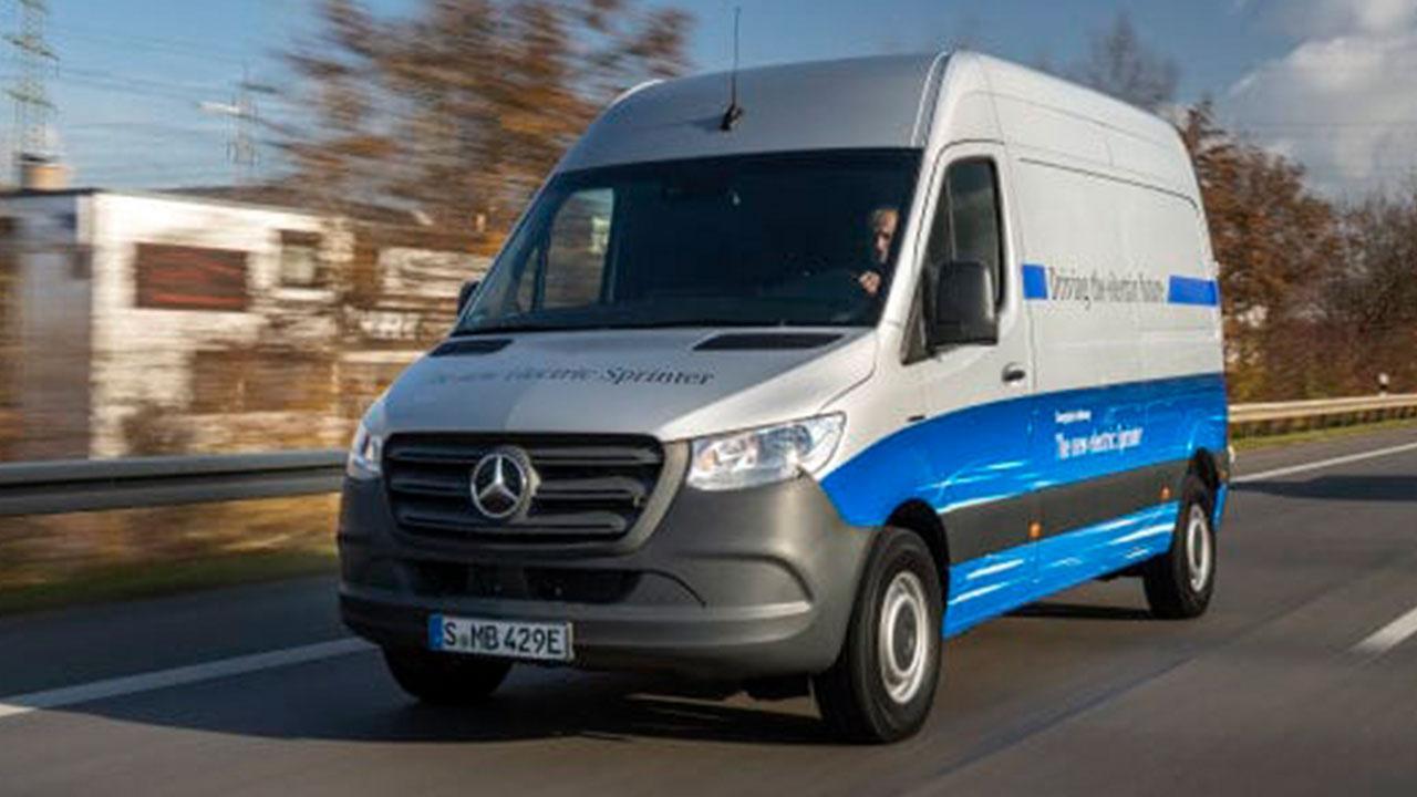 Mercedes-Benz eSprinter - auf der Autobahn