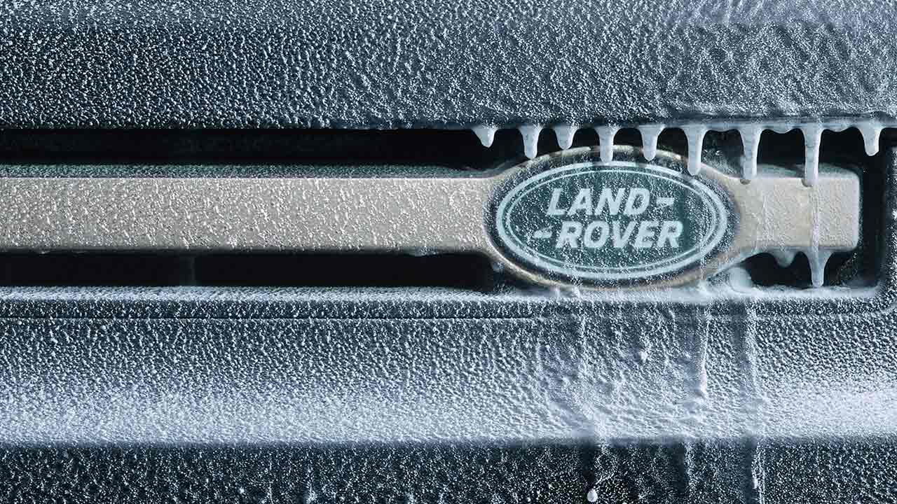 Land Rover Defender P400 - Logo vereist