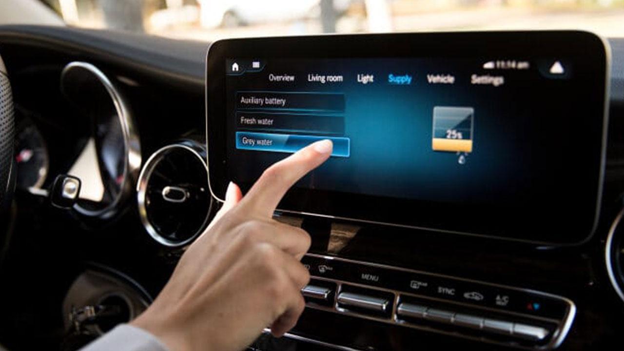 Mercedes-Benz Marco Polo - Touch Screen