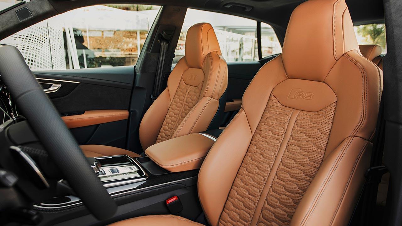 Audi RS Q8 - Vordersitze