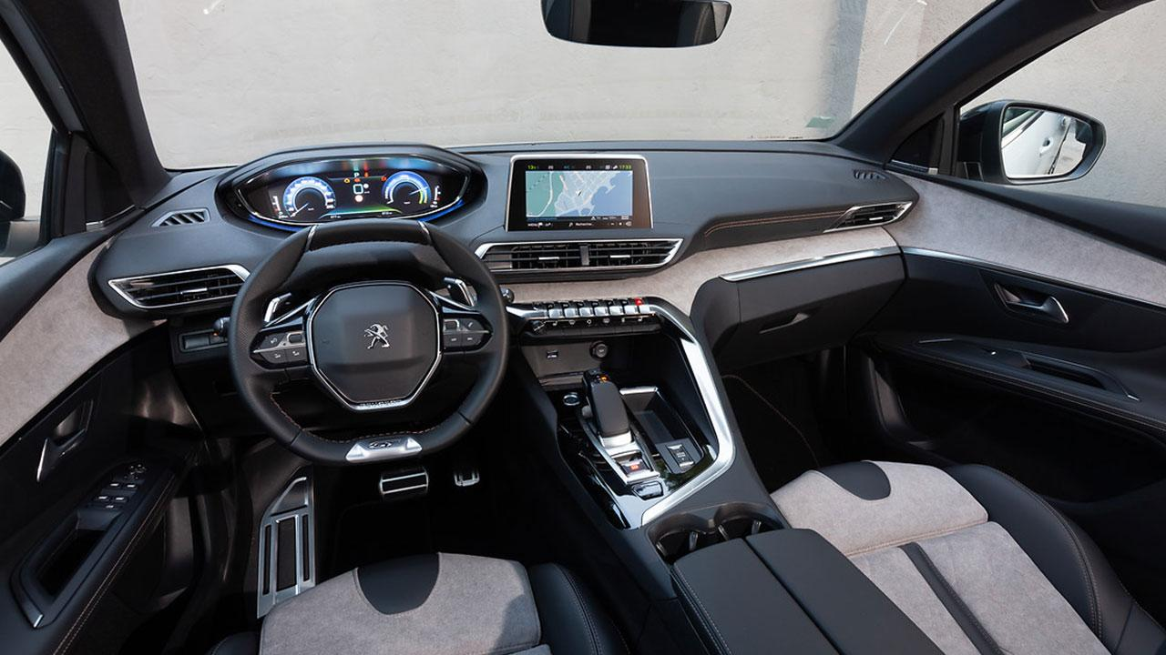PEUGEOT 3008 GT HYBRID4 - Cockpit