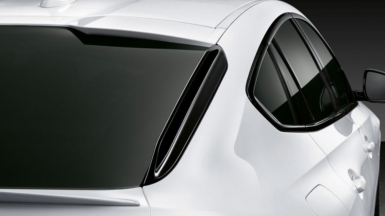 BMW X6 M Competition - moderne Seitenlinie