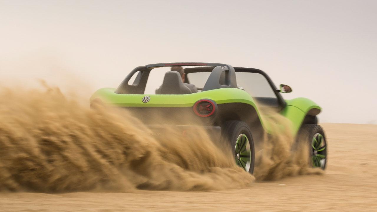 Volkswagen ID Buggy - der Sand staubt