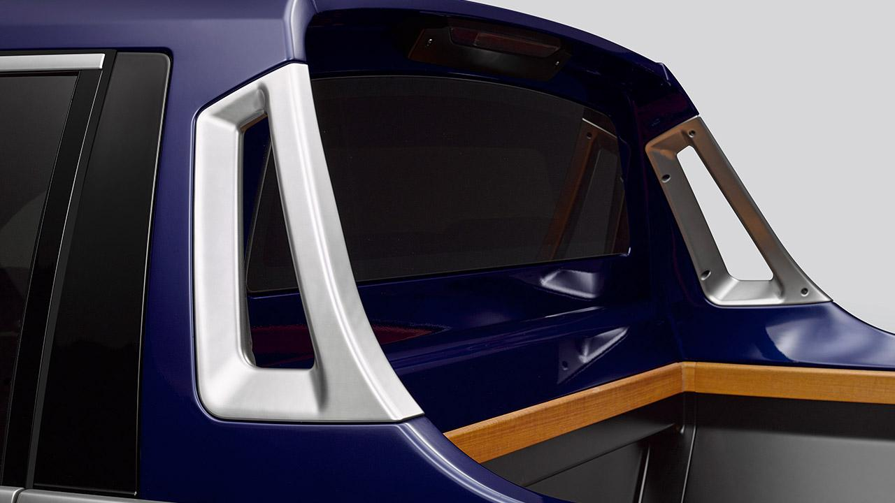 BMW X7 Pick-up Einzelstück - Griffe auf der Ladefläche