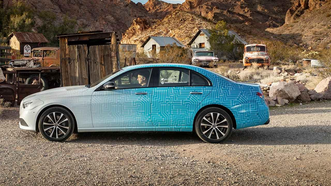 Mercedes-Benz E-Klasse im Sommer 2020 - Seitenansicht