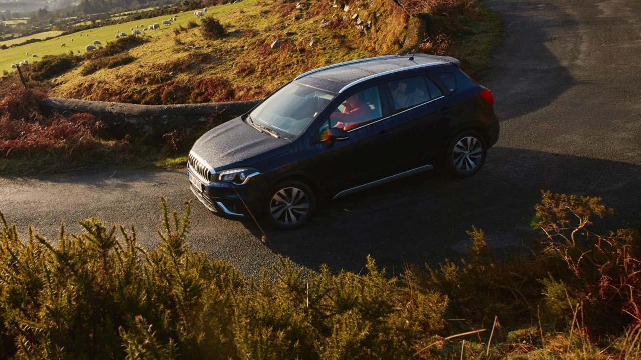 Suzuki SX4 S-Cross - in der Kurve