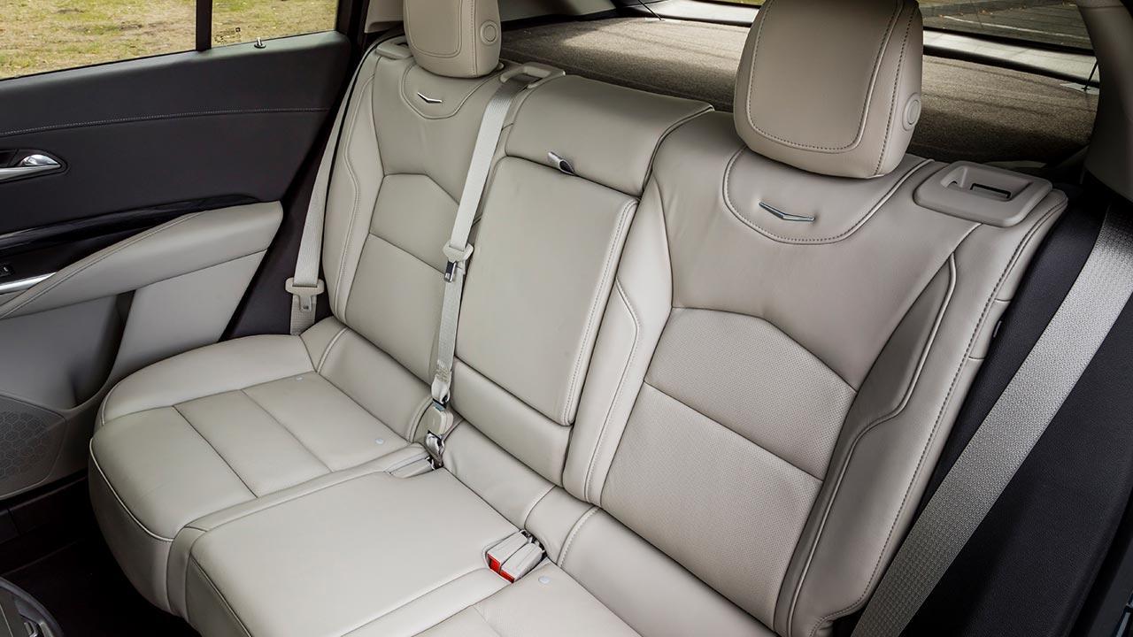 Cadillac XT4 Launch Edition Sport - Rücksitze