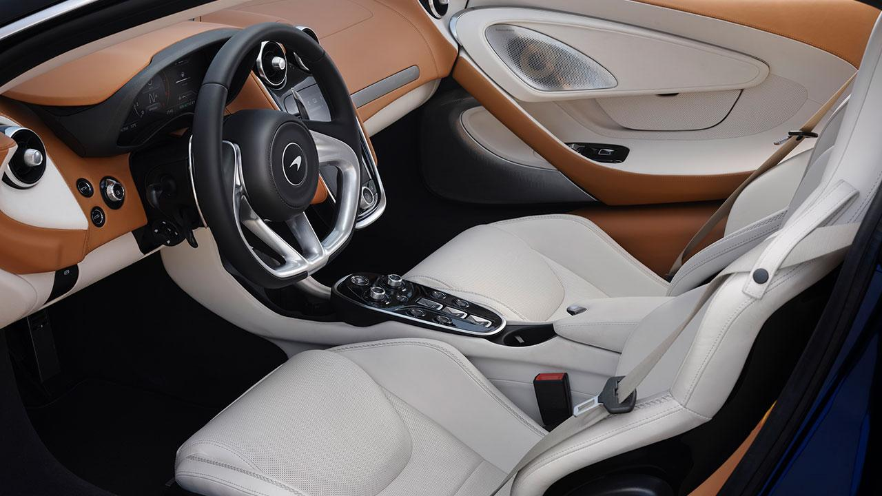 McLaren New GT - Cockpit