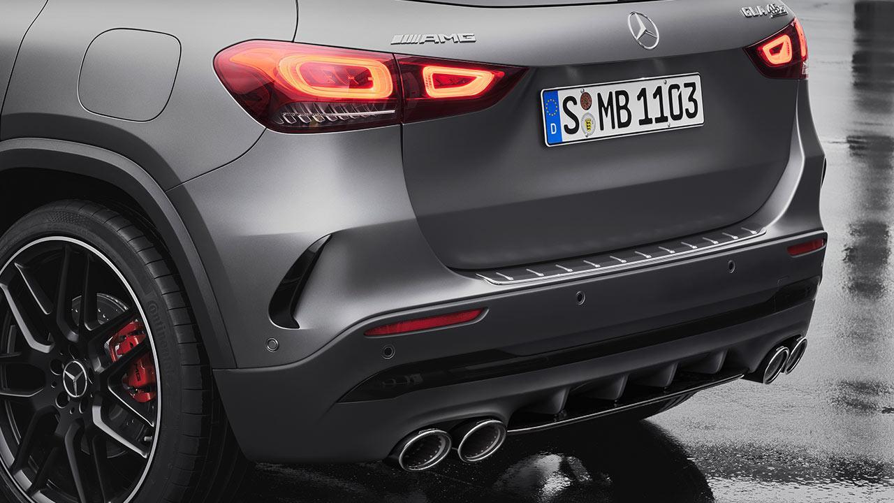 Mercedes-AMG GLA45 S 4MATIC - Heck