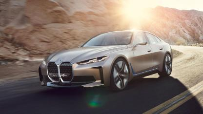 BMW Concept i4 - in voller Fahrt