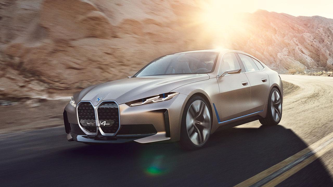 BMW Concept i4 - in voller Fahrt