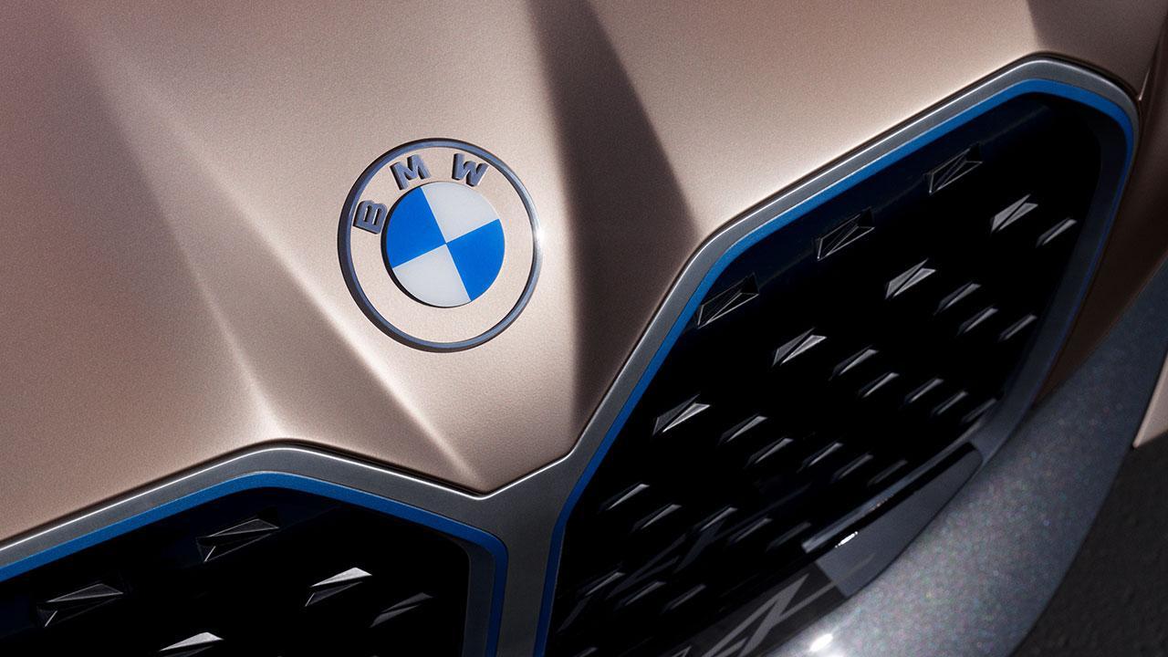 BMW Concept i4 - Logo
