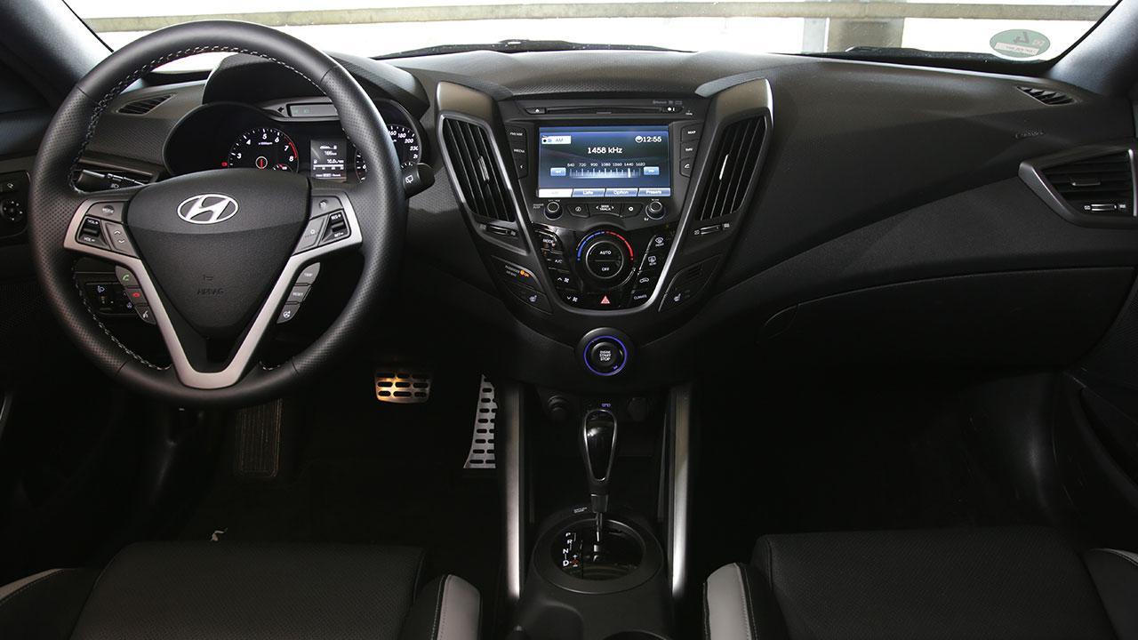 Hyundai Veloster - Cockpit