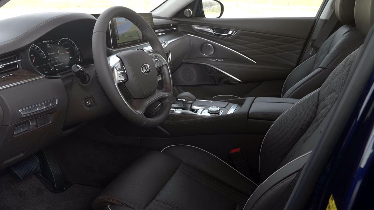 Kia K900 - Cockpit