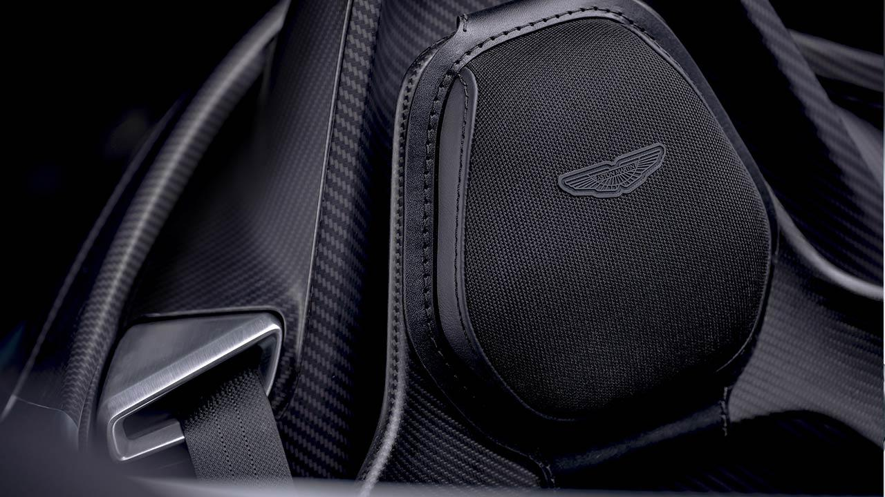 Aston Martin V12 Speedster - Kopfstütze