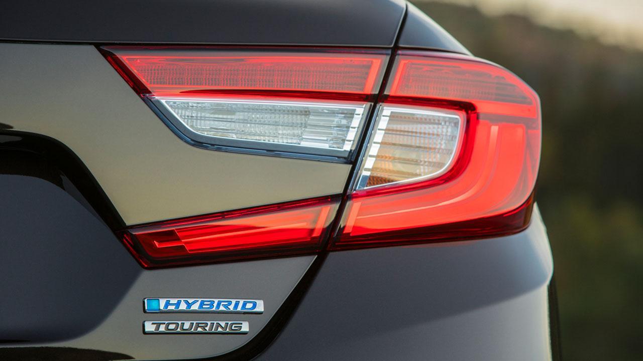 Honda Accord Hybrid Achieves - Rücklicht und Schriftzug