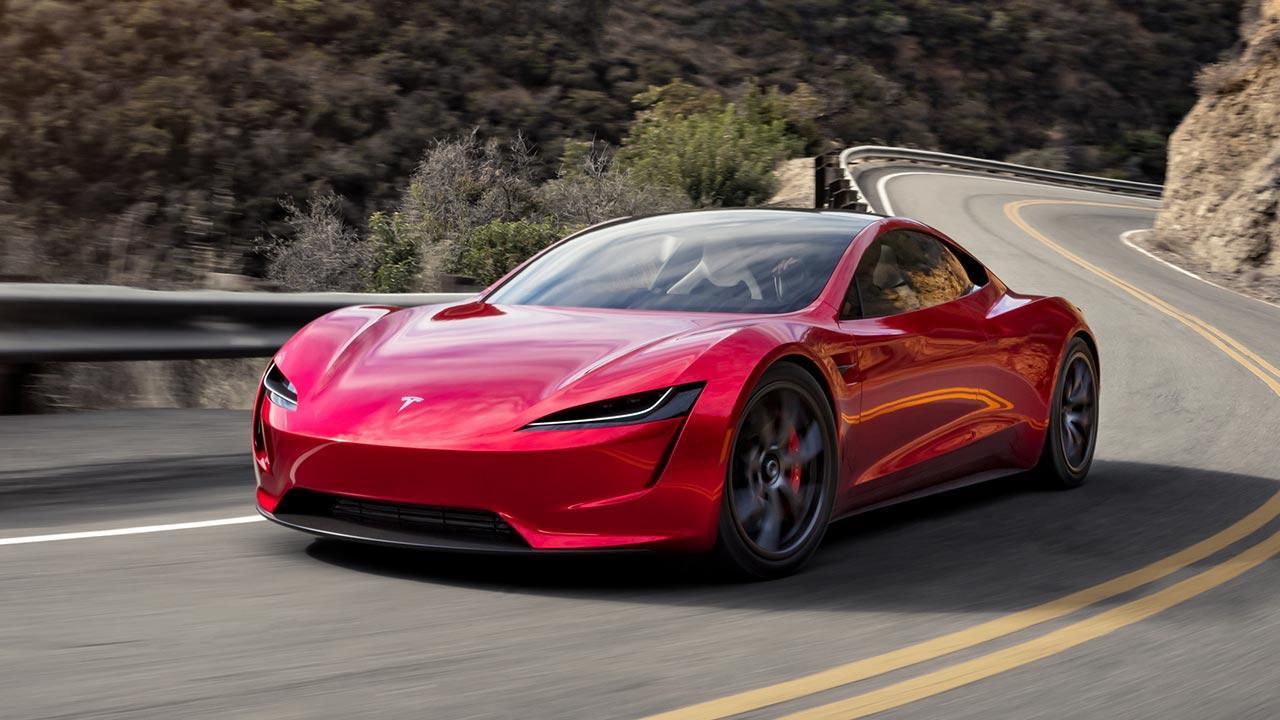 Tesla Roadster - auf der Landstraße