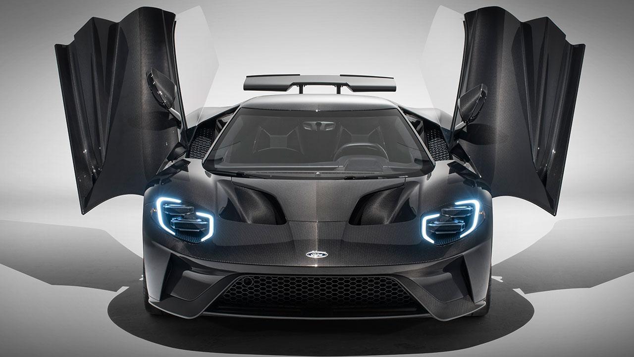 Ford GT Heritage Edition - mit offenen Flügeltüren