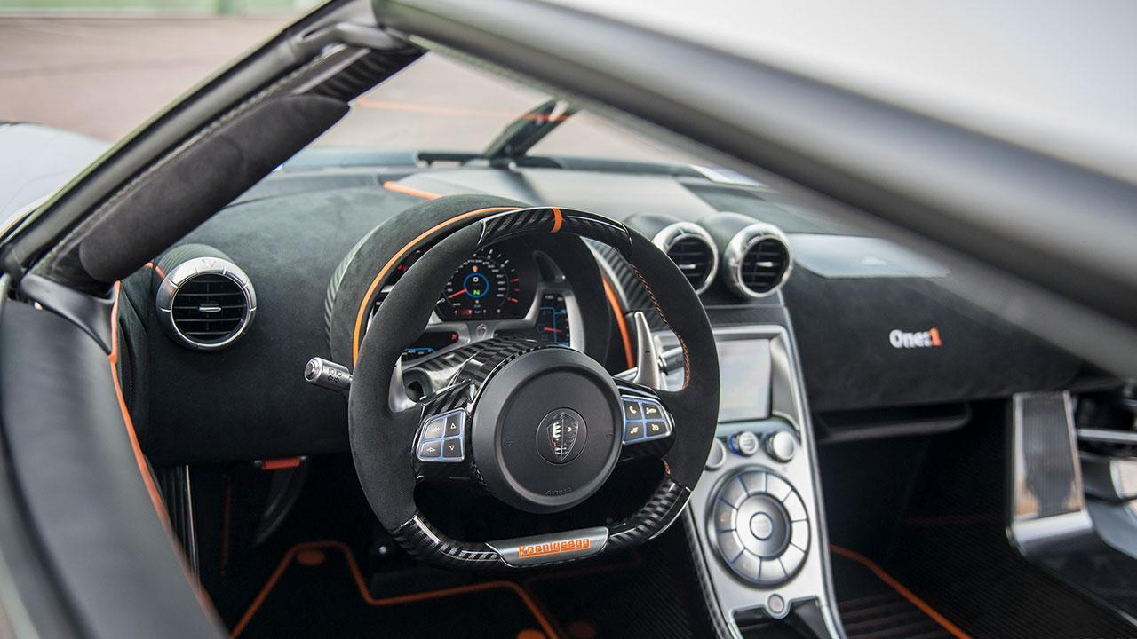 Koenigsegg One:1 - Cockpit