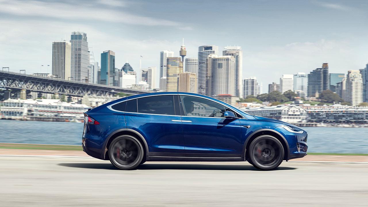 Tesla Model X - Seitenansicht