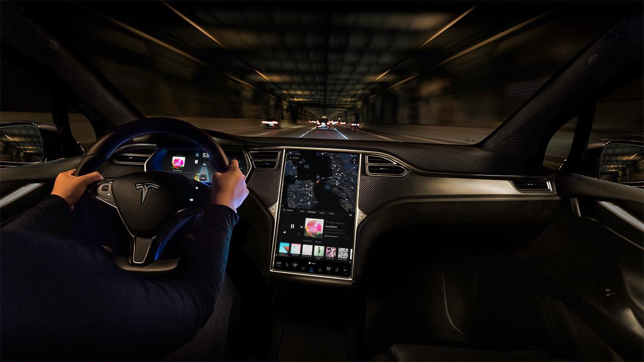 Tesla Model X - Cockpit