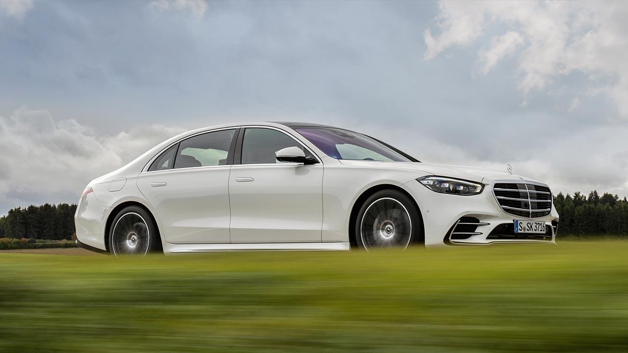 Die neue Mercedes-Benz S-Klasse Digital - in voller Fahrt