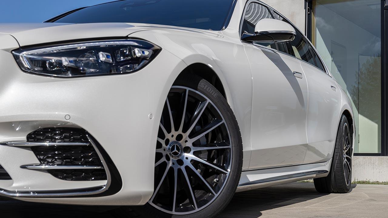 Die neue Mercedes-Benz S-Klasse Digital - Frontansicht