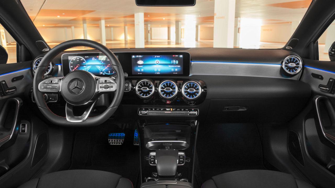 Mercedes A-Klasse - dunkles Cockpit