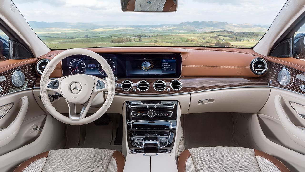 Mercedes-Benz E-Klasse T-Modell - Cockpit